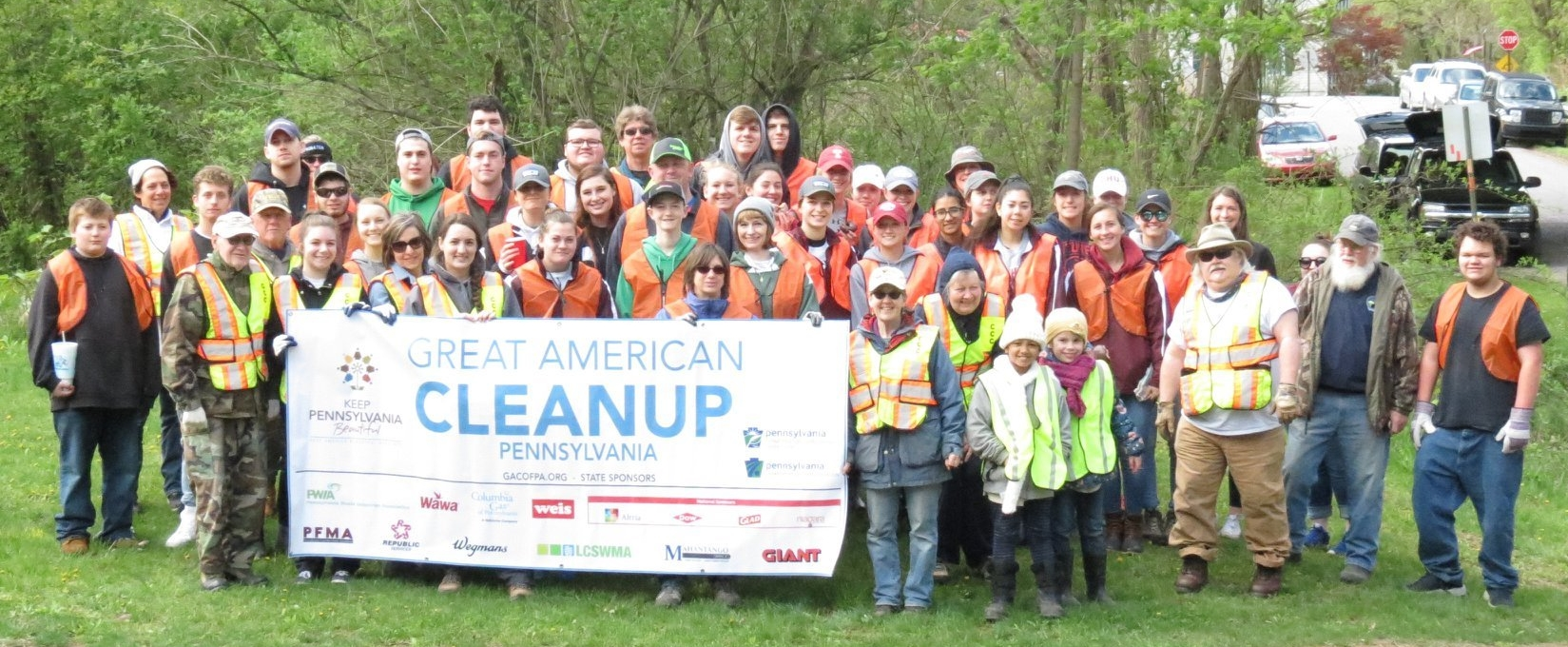 Spook Hollow Road Cleanup volunteers April 2019